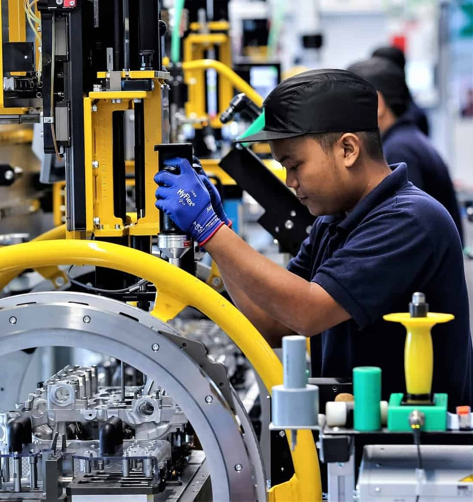 Manufacturing Industry Shift Scheduling